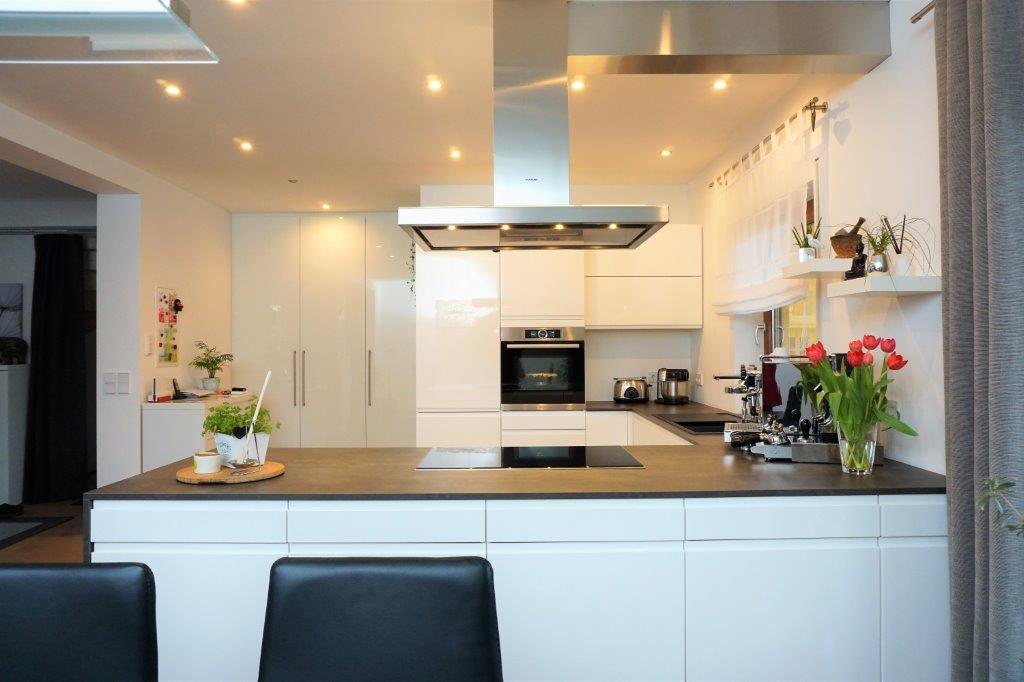 Moderne Küchen: U-Form – Bäumel Gmbh